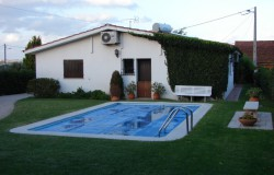 UNDER OFFER  Three bedroom house with swimming pool and annex for sale near Tomar, Central Portugal