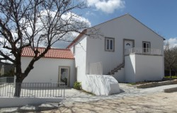 UNDER OFFER /// Detached 4 bedroom character stone house rebuilt as new to an excellent standard in a peaceful location near Ansião with private access.