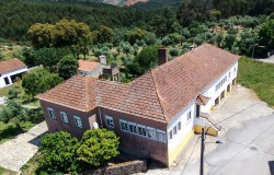 9 Bed Manor House with Pool, Cottage, Barn & 14,000sqm Land for sale near Alvaiázere , Central Portugal