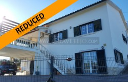 A lovely 5 bedroom family home with nice views and lovely patio area for sale near Tomar, central Portugal