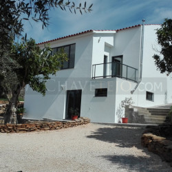 A stylish and contemporary house with top of the market finishings and lake views for sale near Tomar, central Portugal at Tomar for 169000