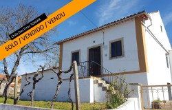 A 2 bedroom cottage in need of some refurbishment for sale near Tomar, Central Portugal