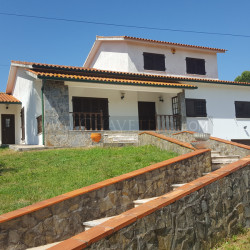 A lovely property that sits proud on its plot for sale only 5 minutes from Tomar at Tomar for 230000