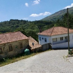 5 bed, 3 bath detached house plus stone cottage to renovate, garage, south facing balcony with mountain views at 3250, Portugal for 129000