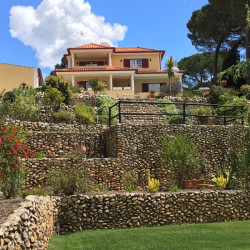 An immaculate and spacious villa set in a peaceful yet convenient location near the World Heritage town of Tomar at 2300 Tomar, Portugal for 370000