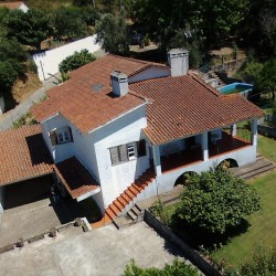 Detached 4 bed house, basement to convert, quite location, water mine with tank & separate parking area for sale near Alvaiazere at Alvaiazere for 123000