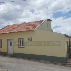 A country property with land, perfect for a holiday home for sale near Ferreira do Zêzere at Ferreira do Zêzere for 65000