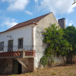 A lovely country property in need of some TLC to bring it back to life for sale near Ferreira do Zêzere, central Portugal at 2240 Ferreira do Zêzere, Portugal for 60000