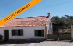 A typical Portuguese country home with a separate annex and walking distance to a café for sale near Tomar and Ferreira do Zêzere
