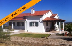 3 bed house with land and garage, near the lake, for sale near Tomar