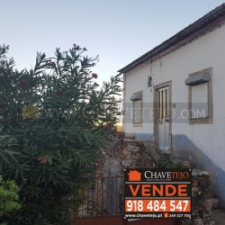 A lovely stone property with annexes and land and within walking distance to a café and mini market for sale in a sought after village at Ferreira do Zêzere for 69000
