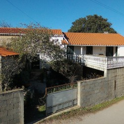 Traditional countryside detached house with Balcony with views, flat land and well suitable for renovation for sale near Ansião at 3240 Ansião, Portugal for 80000