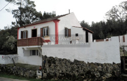 A lovely country property that has been refurbished with land and a swimming pool for sale between Ferreira do Zêzere and Tomar