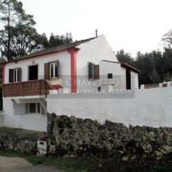 A lovely country property that has been refurbished with land and a swimming pool for sale between Ferreira do Zêzere and Tomar at Ferreira do Zêzere for 85000
