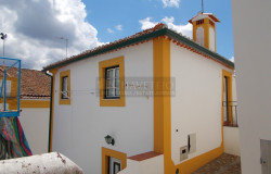 A 2 bedroom townhouse for sale in the beautiful town of Constância