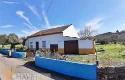 A sweet country property in need of some work for sale near Ferreira do Zêzere and Tomar