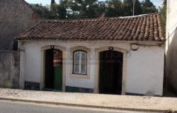 A perfect investment opportunity or holiday home only 2 minutes walking distance into town for sale in Tomar