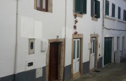 PRICE REDUCTION // One bedroom house in the quiet historical center of the town of Pedrógão Grande