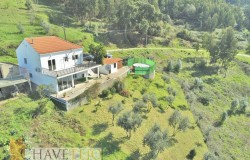 A private paradise on the hill with the most beautiful views for sale near Alvaiazere, Central Portugal