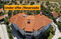 PRICE REDUCTION // An exceptional manor house with generously spacious rooms and fabulous views over the town for sale in Tomar, central Portugal