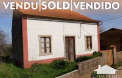 A lovely country property with lots of character and some outbuildings that could be converted for sale near Ferreira do Zêzere