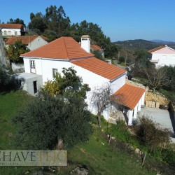A 3 bedroom country property with land and within walking distance to a cafe for sale near Tomar at Tomar for 147000