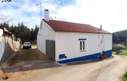 A very cute property with a great homely atmosphere and panoramic views for sale near Tomar