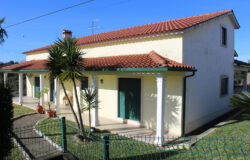 A modern 4 bedroom property with a good size garden for sale only 15 minutes outside of Tomar