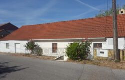 A lovely cottage set in a nice location for sale in Ferreira do Zêzere, Central Portugal.
