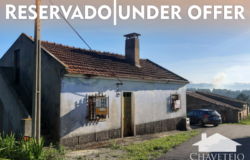 Old Farmhouse  with one hectare of land for sale close to Tomar, Central Portugal