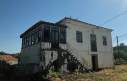 Large early 20th century period townhouse, plus 2 large annexes close to amenities near Alvaiazere