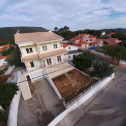 Modern 4 bed detached house with garage, just outside of town with great views of the valley at Alvaiazere for 165000