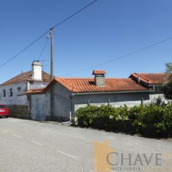 Stone house to renovate, a habitable annex with two guest accommodations, and a workshop, with a large plot of land for sale in Graça, Pedrógão Grande. at Pedrógão Grande for 90000