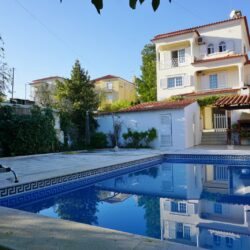 A three floor family home with a swimming pool and garden for sale just outside of the town of Tomar at Tomar for 250000