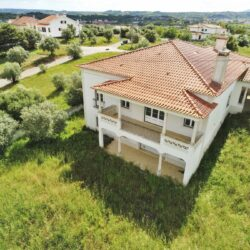 A luxury and modern property that you can still put your stamp on for sale right on the outskirts of Tomar. at Tomar for 220000