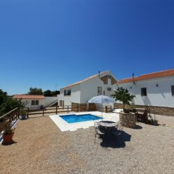 3 Bedroom country cottage with annex and workshop at Tomar for 220000