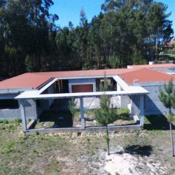 Luxury 4 bedroom modern house with large Garage, close to amenities, space for pool & large garden at Ferreira Do Zezere for 119000