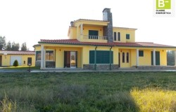 Spacious 4 bed Villa with land for sale near Tomar, Central Portugal