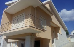 Recently built three bed house with garden for sale near Tomar