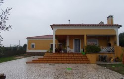 Recently built four bed house with garage for sale near Tomar
