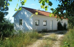 Recently renovated 7 bedroom stone house with annex and lake views for sale near Dornes ,Central Portugal