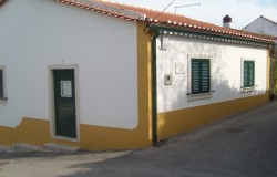 2 bed restored village house for sale near Torres Novas central Portugal