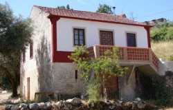 3 bedroom character property with pool for sale near ferreira do Zezere, Central Portugal