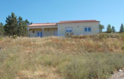 Spacious Three Bed house with land for Sale near Tomar