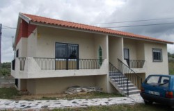 Three bedroom detached house for sale near Tomar, central Portugal
