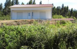 Two bedroom cottage with nice views and good location for sale , Central Portugal