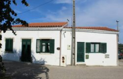 A country property in a peaceful location for sale only 10 minutes away from Tomar