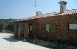 Lovely character, stone built, house for sale near Tomar