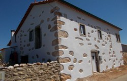 SOLD//////  Detached 4 Bed Alentejo Style Stone House with Spacious Independent Guest annex