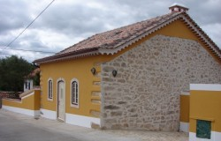 3 Bed Restored Stone Cottage with land for sale near Ferreira do Zêzere, central Portugal